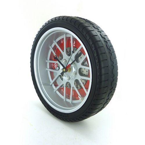 horloge roue voiture